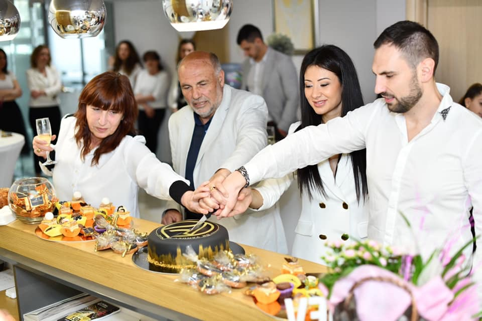 Естетична клиника д-р Вандев празнува своята 1 година
